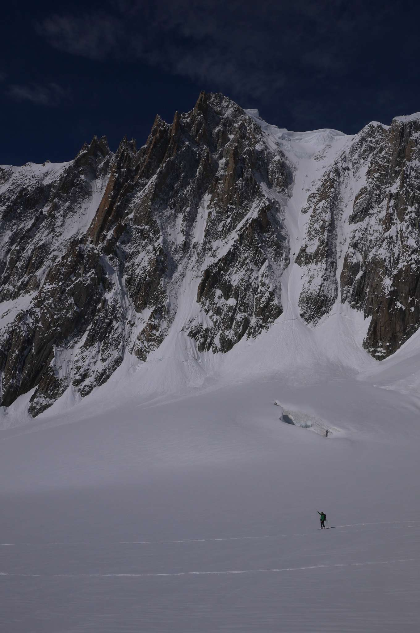 Skiing below the east face of Mont Blanc du Tacul