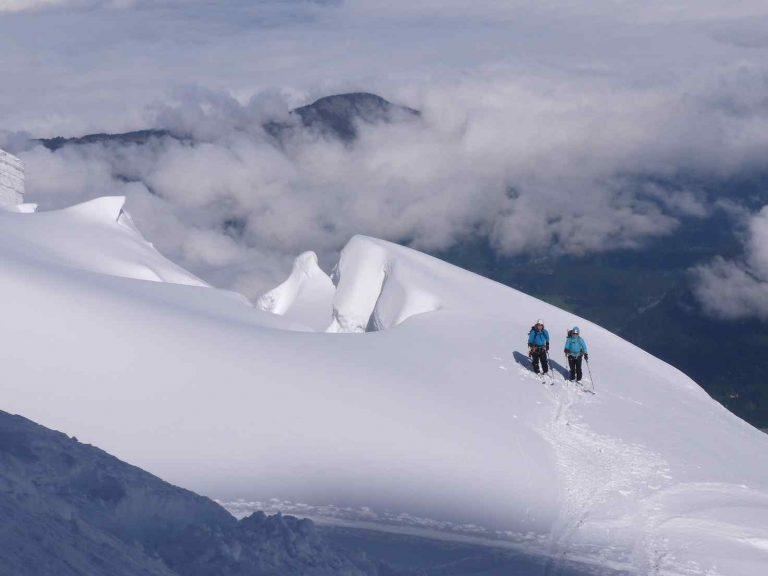 Skiing Mont Blanc du Tacul - Altus Mountain Guides